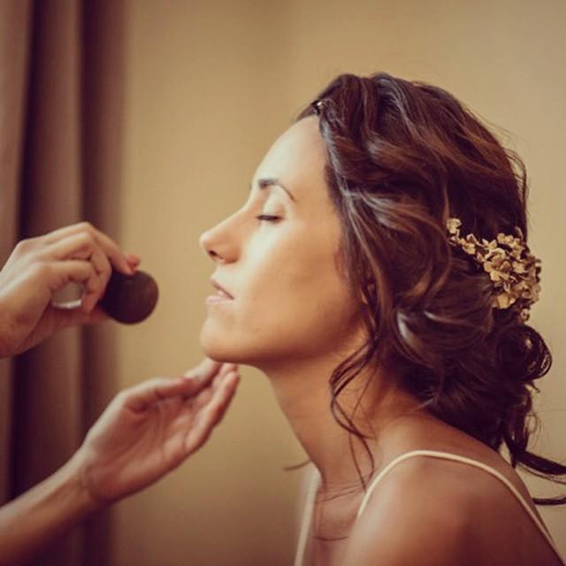 Piel en proceso ? #BridalMakeup #MaquillajeNovia Peluquería: Iván (Sagoa)