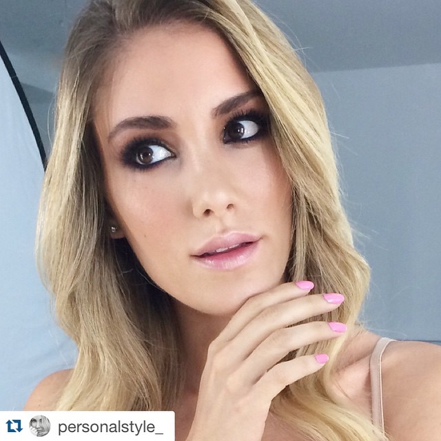 #Repost @personalstyle_ ・・・ Un maquillaje perfecto by @makeupzonenet ?? #makeup #pink #beauty #nails @kikocosmeticsofficial ??