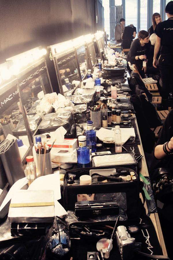 backstage0804
